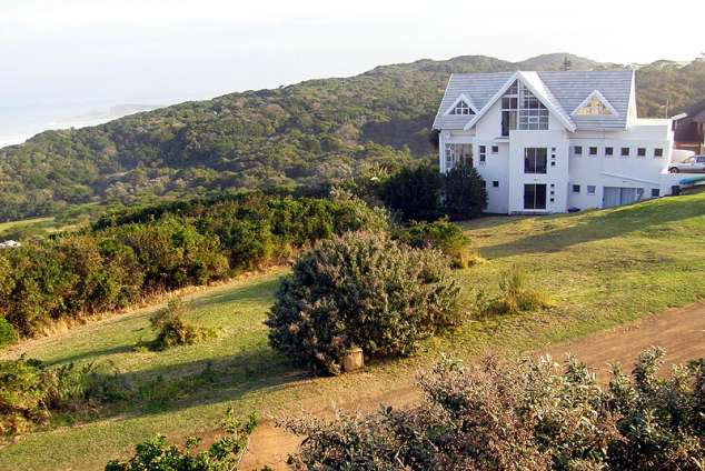 1/15 - Self Catering accommodation in Cove Rock Country Estate
