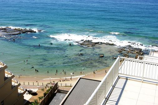 1/10 - Self Catering Beachfront Apartment Accommodation in Umdloti Beach
