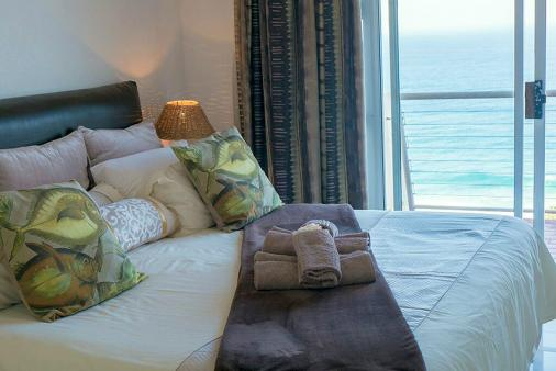 1/15 - view from king size bed - Self Catering Apartment Accommodation in Umdloti Beach