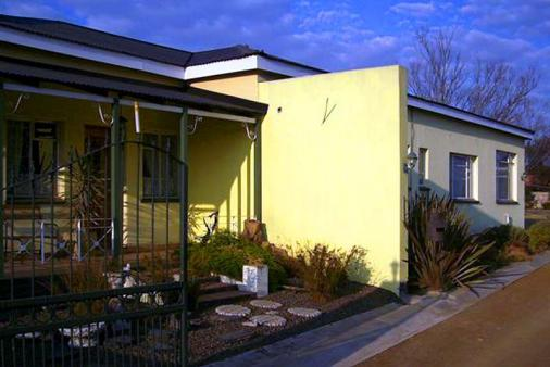 1/8 - De Herberg Guest House - Guest House Accommodation in Bethal, Mpumalanga