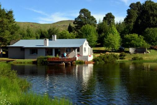 1/8 - Vlettershof Gastehuis - Self Catering House Accommodation in Dullstroom