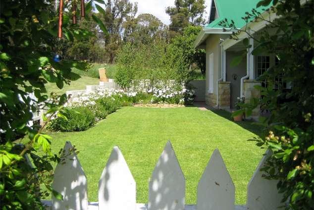 1/10 - Fenced Garden