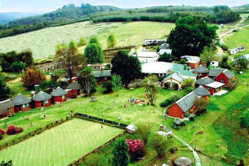 1/15 - Aerial photograph of Ashtonvale Guest Farm - Guest Farm Accommodation in Bulwer