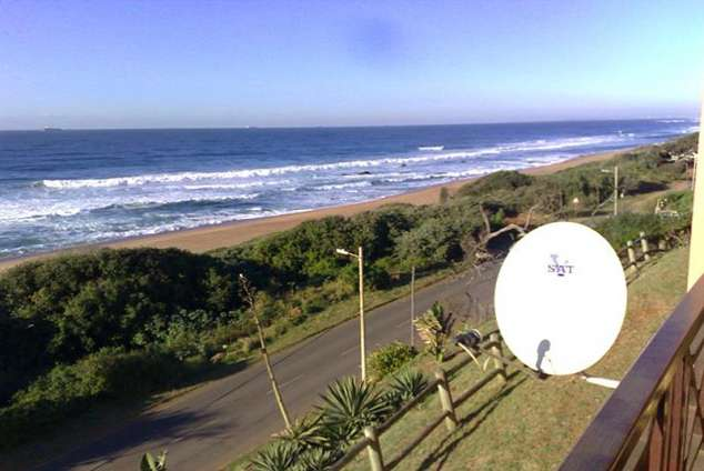 1/8 - 180 degree breaker/sea views from balcony - Self Catering Apartment Accommodation in La Mercy