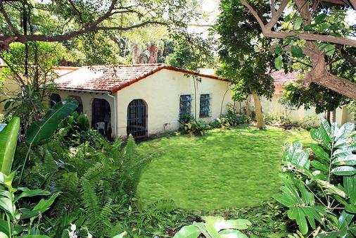 1/12 - Cool garden, outside verandah use when raining