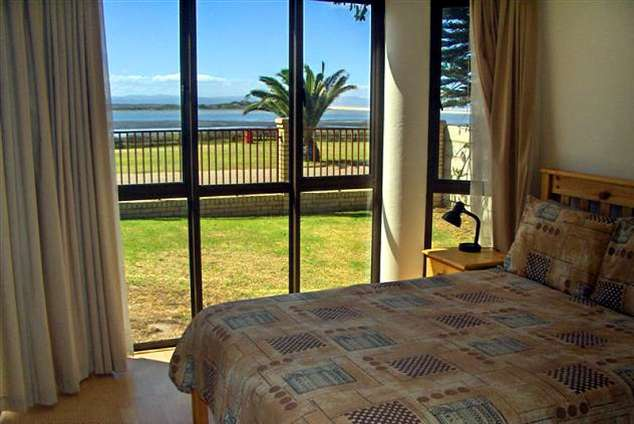1/8 - Self Catering Apartment Accommodation in Jeffreys Bay