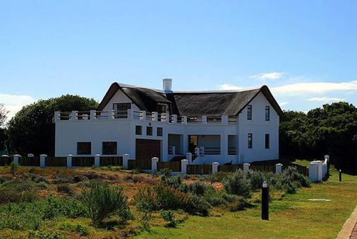 1/8 - Approach to The Golf House - Self Catering house in St. Francis Bay