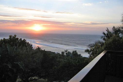 1/16 - Sunrise from the deck - Self Catering Accommodation in Palm Beach