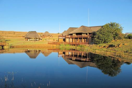 1/8 - View of lodge - Self Catering Game Reserve Accommodation in Vryheid