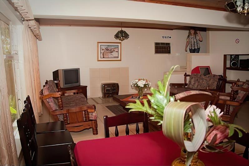 Lounge Area / Communal TV