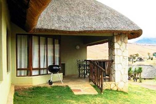 1/8 - Fairways 169 - 6 sleeper unit - Self Catering Cottage Accommodation in Drakensberg Gardens Area