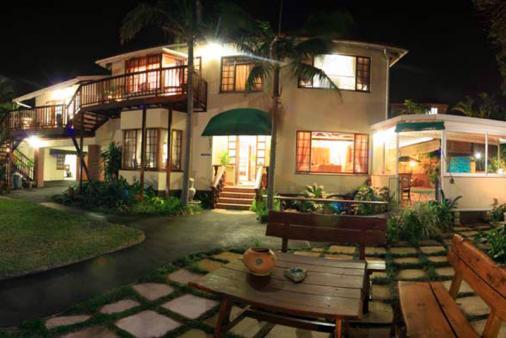 1/14 - Amanzimtoti Bed & Breakfast accommodation