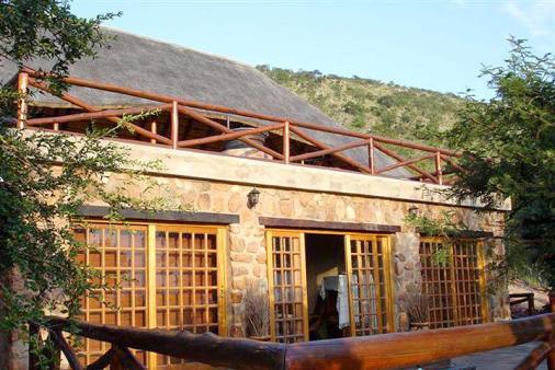 1/12 - Oppi Koppi Lodge - Self Catering Bush Lodge Accommodation in Pongola