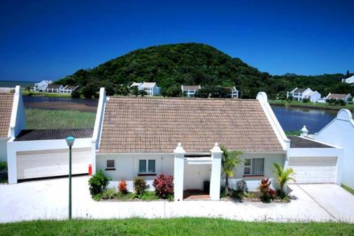1/8 - Estuary Villa 2 - Self Catering Accommodation in Port Edward, South Coast