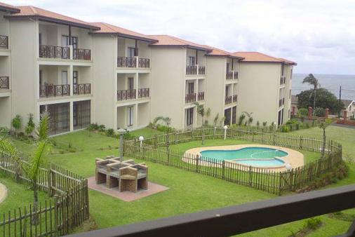 1/8 - Pool & braai area - Self Catering Apartment Accommodation in Uvongo, South Coast
