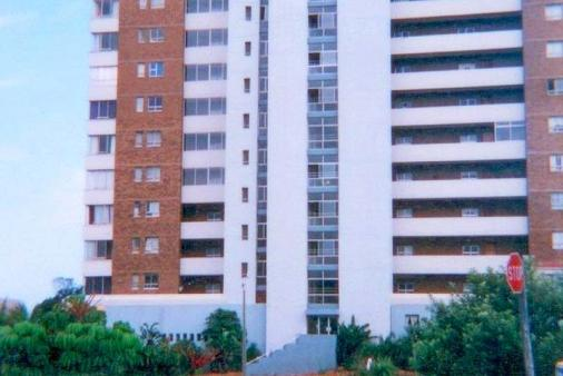 1/9 - FRONT AMANDONIA - Self Catering Apartment Accommodation in Doonside, Amanzimtoti