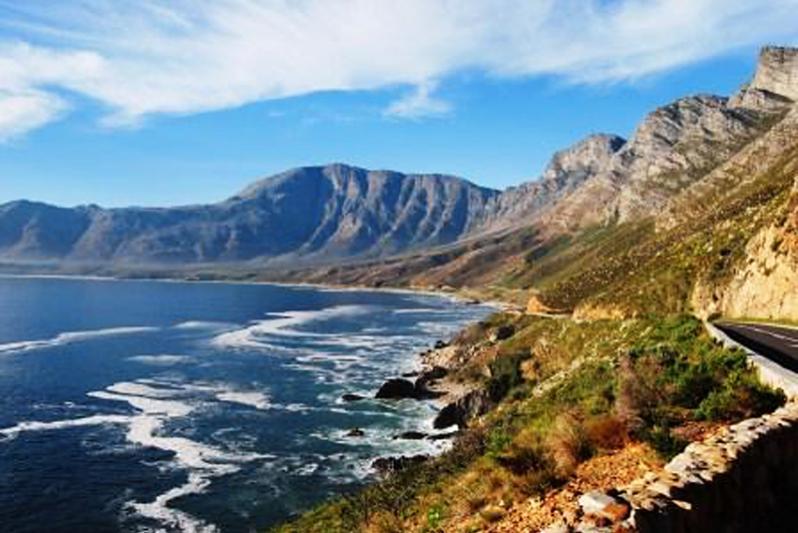 Take the stunning Clarence Marine Drive to Pringle Bay