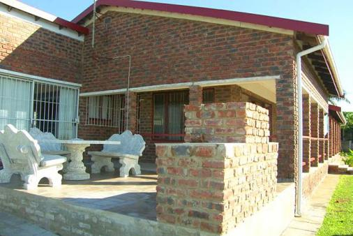 1/12 - Braai/ BBQ - Self Catering House Accommodation in Margate, South Coast