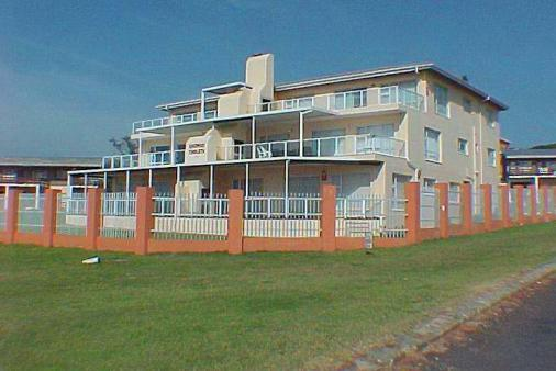 1/8 - Uvongo Chalets - Self Catering Accommodation in Uvongo, South Coast