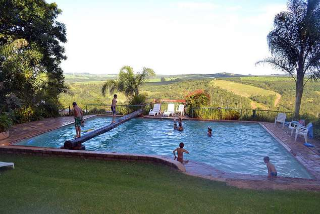 Sabaan holiday resort hazyview accommodation - Holiday lodges with swimming pools ...