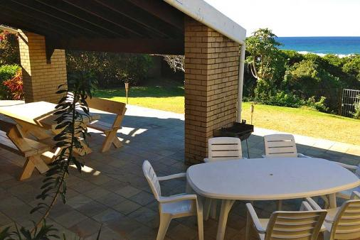 1/8 - Patio - Self Catering Seaside House Accommodation in Umzumbe, South Coast