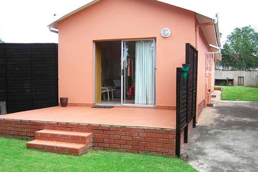 1/8 - Overnight Accommodation - Self Catering Accommodation in Howick