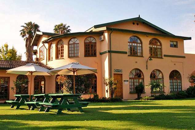 1/8 - Ivala Lodge - Greytown Bed & Breakfast Accommodation