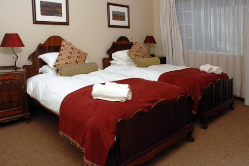 1/8 - Standard twin bedded room