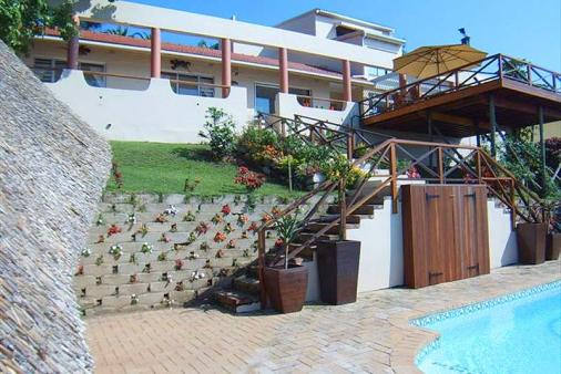 1/8 - Ithulo Inyanga - Self Catering House Accommodation in Margate