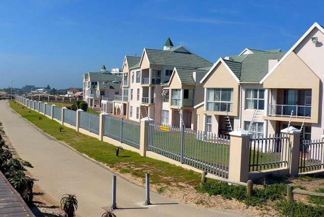 1/10 - Self Catering Apartment Accommodation in Summerstrand, Port Elizabeth