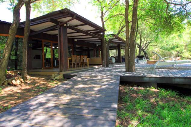1/12 - Main Lodge - Self Catering Bush Lodge Accommodation in Hluhluwe