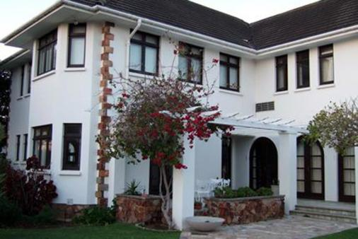 1/24 - Main dwelling - Self Catering Apartment Accommodation in Summerstrand
