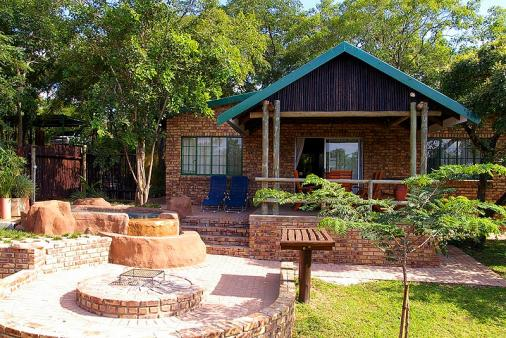 1/18 - 2 bedroom chalet outside view - Self Catering Chalet Accommodation in Hazyview