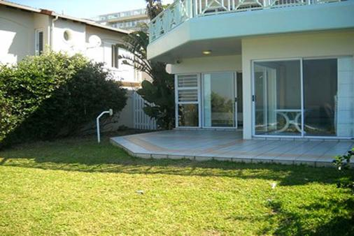 1/8 - Great outdoor area for meals! - Self Catering Apartment Accommodation in Salt Rock