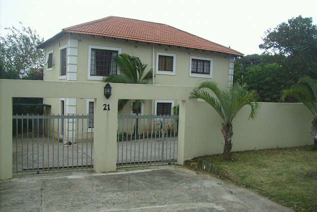 1/10 - Vicky's Holiday Accommodation - Self Catering Apartment Accommodation in Umkomaas