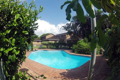 1/13 - Communal pool - Self Catering Apartment Accommodation in Meerensee, Richards Bay