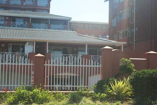 1/8 - Terrace Mews 5 - Self Catering Apartment Accommodation in Scottburgh, South Coast