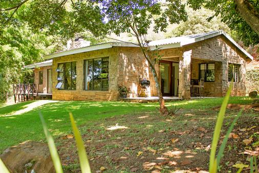 1/14 - Birdsong Cottage 10 - Self Catering Cottage accommodation in Central Drakensberg