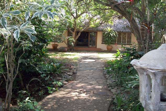 1/12 - Casa Mia Guest House - Bed & Breakfast Accommodation in Pongola