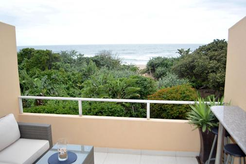 1/13 - Sea view from secluded balcony - Self Catering Apartment Accommodation in Winklespruit