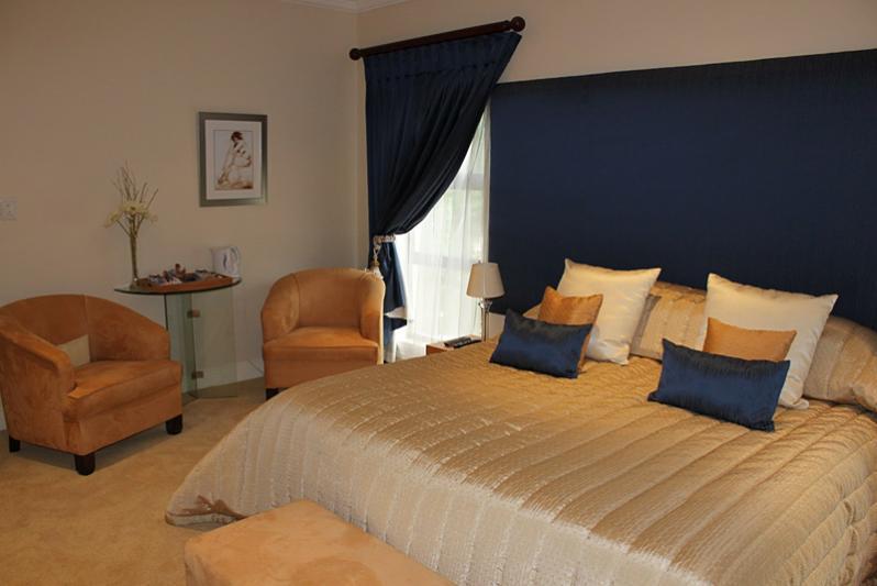 Room 4 king bedroom with shower en suite