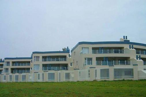 1/8 - Uvongo Breeze - Self Catering Apartment Accommodation in Uvongo, South Coast