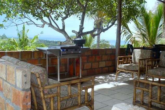 1/17 - Spacious veranda with gas braai
