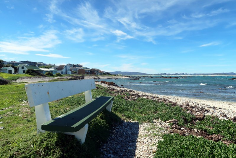 Bench, sea, peace......