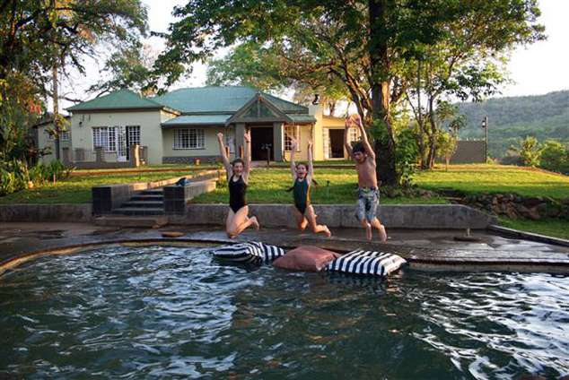 1/12 - Mountain Creek Lodge & Camping Resort - Self Catering Accommodation in Hazyview, Mpumalanga