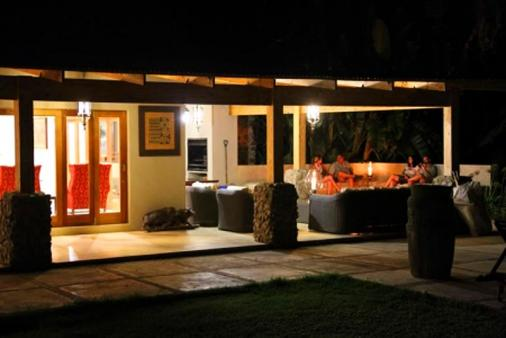 1/12 - Nguni Lounge - Self Catering Bush Lodge Accommodation in White River