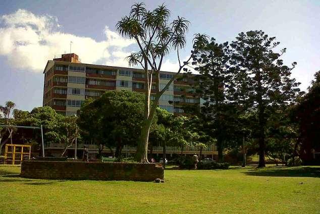 1/8 - Self Catering Apartment Accommodation in Amanzimtoti