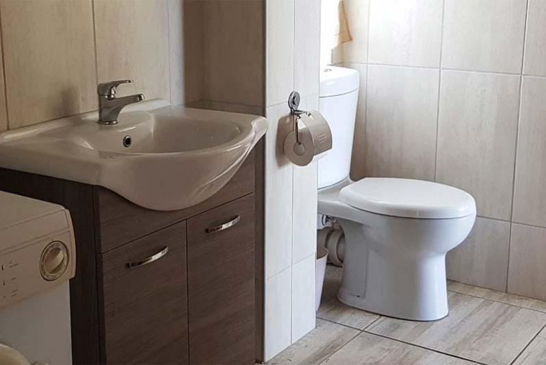 Bathroom - Oribaai