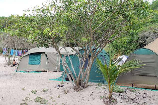 1/8 - Caravan or Camping Accommodation in Macaneta, Mozambique