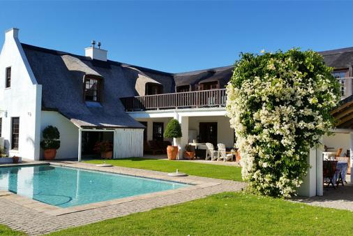 View of Constantia Thatch Lodge